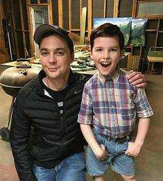 The big bang theory meets young Sheldon Big Bang Theory Quotes, The Big Theory, Big Bang Theory Funny, Leonard Hofstadter, Jim Parsons, Sheldon Cooper Memes, Sheldon Quotes, Big Bang Theory Zitate, Daniel Radcliffe