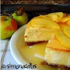 Apple Sauce Cheesecake This baked cheesecake is a memorable dessert, easy to make and suitable for preparing and eating in any season. No Bake Cheesecake, Cheesecakes, Cornbread, Ricotta, Good Food, Cooking Recipes, Pudding, Sweets, Cookies