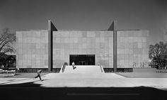 Munson-Williams-Proctor Arts Institute | Utica, New York | Philip Johnson | photo © Ezra Stoller/Esto