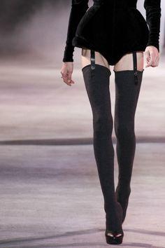 hautekills: Ulyana Sergeenko haute couture f/w 2013 Fashion fashion style love beauty photography makeup 710442909955772382 Haute Couture Style, Couture Mode, Couture Fashion, Runway Fashion, Womens Fashion, Dark Fashion, High Fashion, Fashion Show, Fashion Outfits