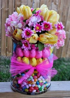Easter Flower Arrangements Easter Flowers – Symbolic of Renewal and Spring Easter Flower Arrangements. There are specific kinds of flowers that are typically used in celebrating Easter, which… Easter Peeps, Hoppy Easter, Easter Party, Easter Dinner, Easter Table, Easter Bunny, Easter Gift, Easter Food, Easter Desserts