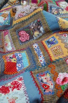 Blanket detail woolen fabrics, cotton, embroidery, vintage fabrics, all together in one quilt Wool Quilts, Rag Quilt, Scrappy Quilts, Crazy Quilt Stitches, Crazy Quilt Blocks, Crazy Quilting, Embroidered Quilts, Crazy Patchwork, Vintage Quilts