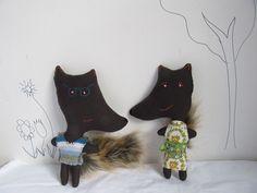 Mr & Mrs Fox.....plush cloth dolls..... £56.00, via Etsy.