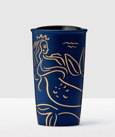 'Golden Siren at Sea' Anniversary Collection Navy Blue Double Wall Traveler a must for my coffee obsession Starbucks Siren, Starbucks Tumbler, Coffee Tumbler, Starbucks Drinks, Coffee Mugs, Starbucks Merchandise, Thermos, Mermaid Mugs, White Cups