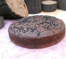 Un novedoso Queque _Kuchen exquisito con trozos de chocolate y maqui. Maqui es un berrie chileno una baya silvestre de color oscuro que t...