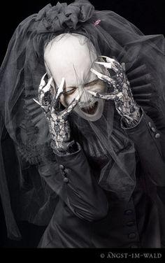 "shaded-asylum: ""my-rotting-carcass: "" Sopor Aeternus & The Ensemble of Shadows "" Ahhh~ I love Anna Varney. Deadman Wonderland, Vampires, Art Noir, Anna, Arte Horror, Dark Gothic, Dark Fantasy Art, New Age, Macabre"