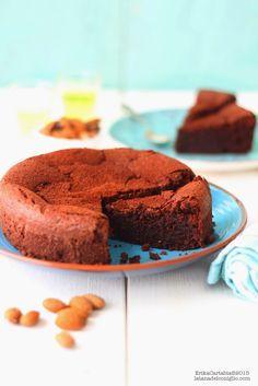 La tana del coniglio: Torta al cioccolato, mandorle e liquore (come una caprese)