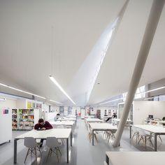 Campus Creativo, Universidad Andrés Bello, Santiago, Chile - Schmidt Arquitectos Asociados - foto: Aryeh Kornfelp, Bruno Gilberto