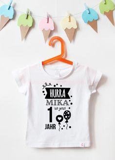 HURRA - 1 Jahr - Geburtstagsshirt zum 1. Geburtstag - tolle Fotoerinnerung #naehfein #geburtstagsshirt #hurra #1geburtstag #black #kindergeburtstag