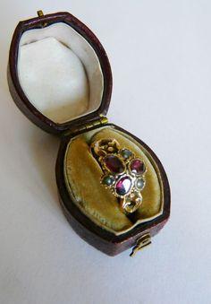 Antique Georgian 15 ct gold mourning ring- pearls Almandine garnets Size P (UK)
