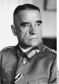 General der Artillerie (later promoted to Generaloberst) Walter Heitz commanded VIII Armee-Korps, which was to land in the first wave of the Operation Sealion assault. VIII Armee-Korps consisted of 6 Gebirgs-Division,  8 Infanterie-Division and 28 Infanterie-Division. Heitz was captured at Stalingrad in January 1943 and died in Soviet captivity.