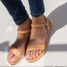 Sandalias, sandalias griegas, sandalias de correa de tobillo, sandalias de cuero, elegantes sandalias, sandalias planas, zapatos de mujer, Afrodita de TriskelionSandals en Etsy https://www.etsy.com/mx/listing/280749670/sandalias-sandalias-griegas-sandalias-de