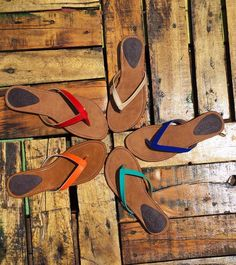 Sandals for the beach! Colores!!