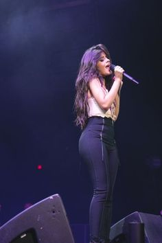 Camilla singing her new song OMG and OMG I love it!r/JerkOffToCelebs - Camila Cabello has a gigantic Cuban ass.yall remember this performancelove those trousers/pants, gal looking gorgeousGod blessing you Beautiful Celebrities, Beautiful Women, Summer Bash, Camila And Lauren, Fangirl, Fifth Harmony, Female Singers, Woman Crush, Belle Photo