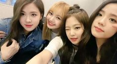 「BLACKPINK IN YOUR AREA」