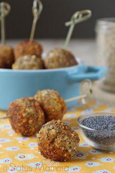 Polpette di patate e merluzzo in panure ai semi papavero