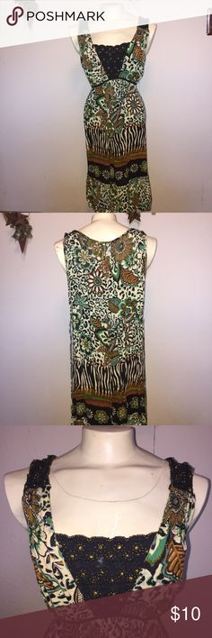Tribal print tieback fall dress XL Women's size extra large. Super cute with leggings and a lightweight jacket or button up shirt.    ~Be sure to check out my other listings for more great items & save on shipping! ~I ship same day or next day.  ~ I do not hold items.   ~Not responsible for incorrect sizing. I go by what the tag says its up to the buyer to know their size.   #Tribal #TribalPrint #Dress #FallFashion #TieWaist #XL #Womensxl #BundleAndSave forbidden Dresses Midi