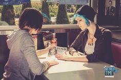 'Two friends, one mission' Max Caulfield: Mee Luffy Cosplay (FB), Chloe Price: Dash Cosplay (FB),  Photo: Daniel Anhut Fotografie (FB) #lifeisstrange #lifeisstrangecosplay #lis #liscosplay #dontnod #cosplay #candid #maxcaulfield #maxcaulfieldcosplay #meeluffy #chloeprice #chloepricecosplay #dash #pricelesscosplay