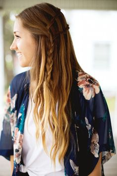 Try this relaxed waterfall twist look this summer. Easy Summer Hairstyles, Modern Hairstyles, Boho Hairstyles, Everyday Hairstyles, Pretty Hairstyles, Wedding Hairstyles, Simple Hairstyles, Hairstyles Haircuts, Straight Hairstyles
