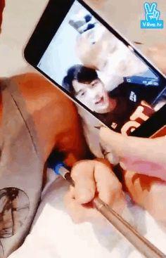 151202 SHINee X EXO in bed (´艸`*) ~ v app ~ (3/4)