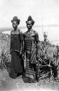 "Africa | ""Types de femmes Bouté"". Tibati, Adamaoua, Cameroon. Dec 1917 | ©Frédéric Gadmer African Tribes, African Women, African Culture, African History, African Beauty, African Fashion, Afrique Art, Africa People, African Royalty"