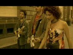 Music video by La Quinta Estación performing Sueños Rotos (Video). YouTube view counts pre-VEVO: 940,410 (C) 2006 SONY BMG MUSIC ENTERTAINMENT (MEXICO), S.A....