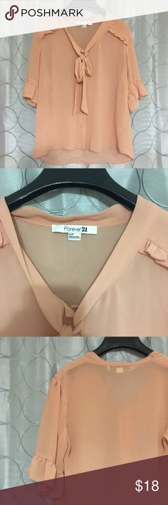SHEER FOREVER 21 BLOUSE Great for the office or pairing with some skinny jeans. The choices are unlimited with this piece. :) Forever 21 Tops Blouses