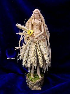Lammas Corn Dolly / Corn Mother. Altar Goddess of Abundance. Hand Crafted