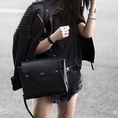 Chic handbag via @camelia_roma  ph.by @theversastyle