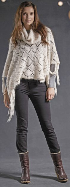 How to Wear Ankle Boots With Skinny Jeans, Leggings, or Shorts – Tips for Older Women Casual Leggings Outfit, Legging Outfits, Bootfahren Outfit, Outfit Chic, How To Wear Leggings, Casual Outfits, Outfit Ideas, Ankle Boots With Leggings, How To Wear Ankle Boots