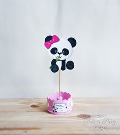 Enfeite de mesa Panda no Elo7 | Dellica Party (BC0D5D) Panda Themed Party, Panda Birthday Party, Panda Party, Kids Birthday Cards, Baby Girl Birthday, First Birthday Parties, Birthday Party Decorations, First Birthdays, Panda Baby Showers