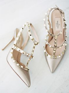 Metallic gold Valentino pumps: http://www.stylemepretty.com/2016/01/14/thailand-destination-wedding-part-i/ | Photography: Ryan Ray - http://ryanrayphoto.com/