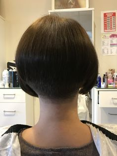 Stacked Bob Hairstyles, Cute Hairstyles, Short Stacked Bobs, Flat Top Haircut, Dark Bob, Undercut Bob, Shaved Nape, Beautiful Haircuts, Hair Models