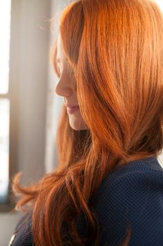 It is a fact that redheads want shiny, glossy, healthy hair! Why? Because it an attractive and beautiful! The issue is, many women do not know how to achieve this look. Here are 6 hair tips your must know and try for gorgeous red locks:  1. Accept the Hair You Have: Meaning, know what type of hair you have (oily, dry, combination