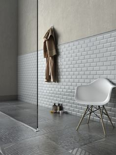 Discover Subway collection: see the magic in this finely crafted tile with the translucent glazed surface and the elegant bevel edge, which adds more style. Minimal Home, Bathroom Inspiration, Bathroom Ideas, Sweet Home, New Homes, Concept, Flooring, Interior Design, House