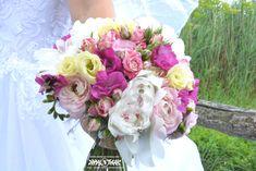 Nyári menyasszonyi csokor Floral Wreath, Wreaths, Rose, Flowers, Plants, Home Decor, Pink, Decoration Home, Room Decor