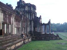 새벽 이슬맞으며 향했던 앙코르와트. #캄보디아#앙코르와트