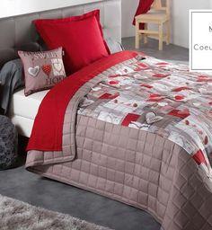 prehoz-na-manzelsku-postel-s-motivom-srdiecok-v-cerveno-hnedej-farbe Comforters, Blanket, Bed, Home, Creature Comforts, Quilts, Stream Bed, Ad Home, Blankets