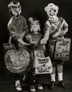 Trick-or-treaters, 1950s