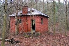 Ohio…Van Wert County GHOST TOWNS the Northwest corner of the county, 2 miles Northeast of Dixon miles East of Cavett miles West o… Abandoned Ohio, Abandoned Prisons, Abandoned Buildings, Abandoned Places, Abandoned Property, Abandoned Mansions, Van Wert Ohio, Creepy Houses, Haunted Places
