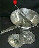 An old fashion manuel foodprocessor