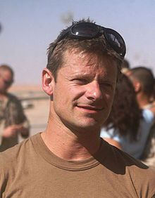 Steve Zahn (Steven James Zahn, age 45) now lives in Cynthiana, KYis also a University of Kentucky sports fan, often seen at games and events. Zahn appeared in several films in the mid-1990s, including Tom Hanks' That Thing You Do! and Nora Ephron's You've Got Mail.