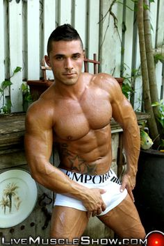 LiveMuscleShow-Joey-van-Damme-livemuscle-muscled-man-livecam-webcam-musclehunk-cam-male-live-cams-gay-muscle-chat-big-dicks-002-tube-download-torrent-gallery-sexpics-photo