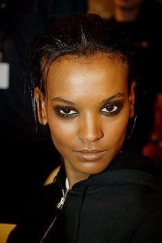 Liya Kebede (November 2003 - March - Page 109 - the Fashion Spot Liya Kebede, Dior Haute Couture, Dress Codes, Fashion Show, November, Beautiful Women, People, How To Wear, Dresses