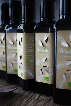 ekoBrachia - organic extra virgin olive oil, a special edition of Brachia premium olive oil product line. Organic Vinegar, Organic Oil, Drink Labels, Bottle Labels, Olive Oil Packaging, Label Design, Package Design, Graphic Design, Beverage Packaging
