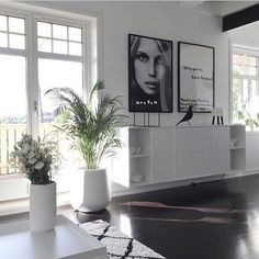 INSPIRATION * I'm in love with these posters and the entire home. It's @mittlillehjerte and it is really beautiful #sfs #onetofollow
