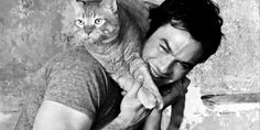 The Vampire Diaries ... Ian Somerhalder as Damon Salvatore ... with a cat on his shoulders