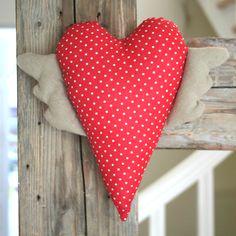 Czerwone serce w białe kropki. Ozdoba w stylu skandynawskim. 100% handmade. Do kupienia w sklepwkropki.pl