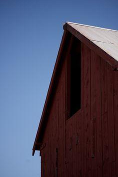 Red barn. | prolabdigital.com