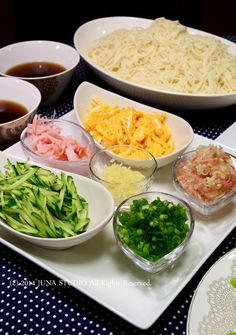 Somen noodles with various toppings そうめん